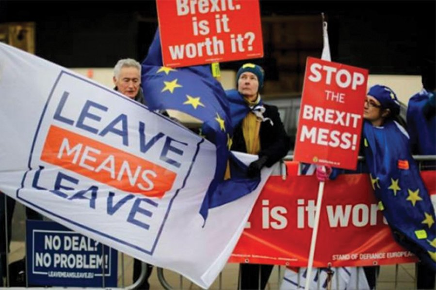 Pro- and anti-Brexit protesters Photo source: AsianAffairs.in